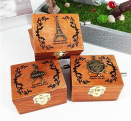 Wholesale Crank Boxes Wholesale - New Arrive Exquisite Hand Crank Musical Box Retro Vintage Wooden Music Box 4Different Patterns for Option Beautiful Decorative Patterns
