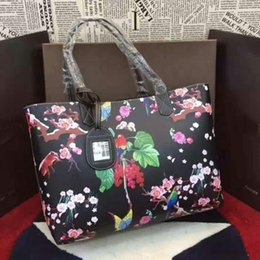 Wholesale Black Exquisite totem and flowers show the female passion art elegant unique style of the handbag