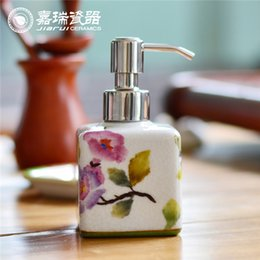 Wholesale 150ml Beautiful Hand Painted Ceramic liquid soap dispenser Porcelain hotel Foam soap dispenser Ice Break Lotion shower gel Dispenser Bottle
