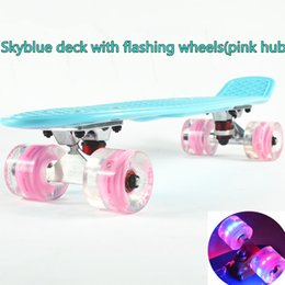 Wholesale 22 inch Good quality LED flashing luminous wheels Skateboard single rocker longboard mini cruiser skate board