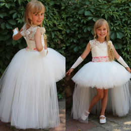 High Low Flower Girls Dresses for Weddings Sheer Jewel Neck Beaded Lace Appliques Puffy Tulle Girls Pageant Gowns Pink Beaded Sash
