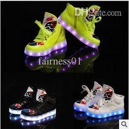 Wholesale Fashion boys girls sneaker luminous children tenis trainer flashing kids led lighting child casual shoes kids boots