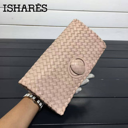 Wholesale ISHARES woven sheepskin day clutches genuine leather rotary switches casual clutch women handbags fashion cover closure IS6659
