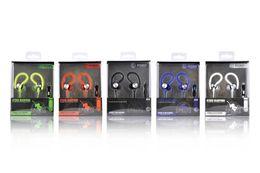 El bajo piso en Línea-Los auriculares universales del gancho del oído JY-A1 con el micrófono se divierten en-oído bajo fuerte de la música del receptor de cabeza de los deportes para el teléfono móvil del mp3 del teléfono móvil del iphone Samsung