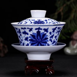 Wholesale Authentic Jingdezhen porcelain teacup blue and white gaiwan kongfu tea set cc nice gift cup