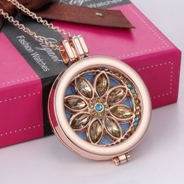 Aromatherapy Essential Oil Diffuser Necklace Jewelry Hot Sales Fashion Alloy Material Locket My Coin Rhinestone Crysal Flower Necklace