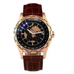 Eaux fraîches à vendre-Hommes Cool Crown World Time Zones Bracelet en cuir plaqué or boîtier en acier inoxydable Effort Marque 30 M Water Resistant Wrist Watch