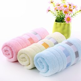 Wholesale Best Service Material Towel Soft Breathable Cotton China Manufacturer Supply Hot Sale Recyclable Trendy Style Favor Hand Towel