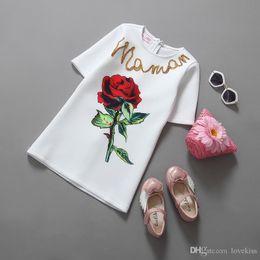 2016 nouvelles robes de filles de noël Robes de mariée New Girl Dress Fashion Girls Vêtements Parti du Vêtements Fleurs Enfants Dentelle bébé Robe de Noël de bébé abordable nouvelles robes de filles de noël