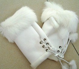 Wholesale Fashion fur gloves Beautiful Rabbit Fur Gloves for lady Winter Fingerless Gloves Multi colored Half fingers Gloves