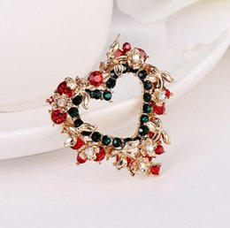 Wholesale Hot Selling Beautiful Heart brooches Christmas Crystal Brooch Pin Women Jewelry Embedded Drill Best Festival Gift