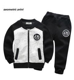 Wholesale fashion counter kids casual sports wear thin Jacket pant geometric print boy set football baseball clothes pre school coat years