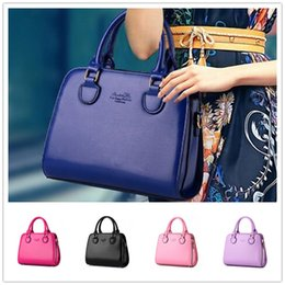 Wholesale High grade Letters Messenger shoulder bag new wave of female stereotypes fashion women style fastener tape BAG74