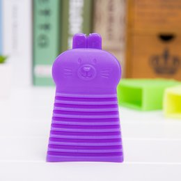 Wholesale creative Japanese colorful rabbit portable hand held mini washing soft plastic washboard board