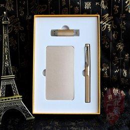 Golden 10000mah cadeau de banque de puissance avec lecteur flash 8G usb et stylo signe avec la différence de couleur et service OEM à partir de oem flash usb fabricateur