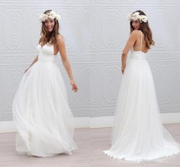 Bohemian Beach Wedding Dresses Spaghetti Straps Pure White Ruched Tulle 2016 Simple Backless Wedding Bridal Gowns