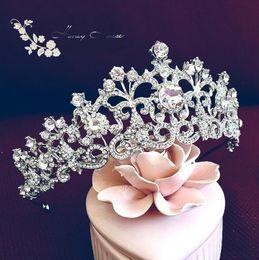 Wholesale European Bride Tiaras Baroque Luxury Rhinestone Crystal Crown The Queen Diamond Hair Princess Korean White Shining Hair Accessories