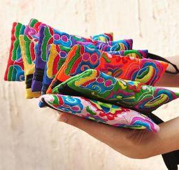 Wholesale National Style Women Clutch Bag Contrast Color Embroidery Handbag Wrist Strap Elegant Small Mini Mobile Phone Bag Wallet Unique Design