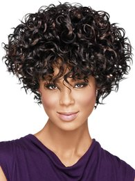 Corto rizado peinados mujeres en venta-Venta caliente del pelo rizado Afro rizado rizado Peinado pantalones cortos pelucas lindas para América y África Mujeres