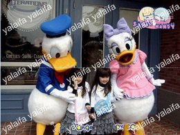 Wholesale production customization EVA Material Helmet Women s pink Donald Duck Men s blue Donald Duck Mascot Costumes walking cartoon Apparel