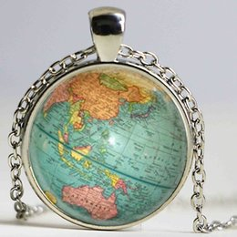 Wholesale Hot glass dome jewelry Vintage Globe Necklace Planet Earth World Map Necklace Art Glass dome pendant necklace