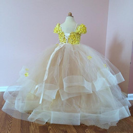 Flower Girl Dresses Cap Sleeve Appliques Yellow Beads Tiered Back Lace Up Baby Girl Wedding Dress Custom Made Pageant Dresses For Girls