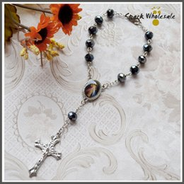 Wholesale 30pcs Catholic Divine Mercy Jesus Crucifix Black Faceted Glass Beads Decade Rosary Religious Gifts Car Rosary Mini Rosary Baptism Favor