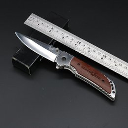 Wholesale NEW Bench DA56 Utilty Folding Survival Knives Wood and Steel Handle Camping Pocket Knife Tools