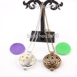 Wholesale Aromatherapy Lockets Pendant Necklace for Women Men Vintage Hollow Stars Shape Alloy Material Essential Oil Diffuser Necklaces Jewelry New