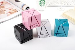 Wholesale Cool Magic Cube Bluetooth Mini Speaker Qone Edge With Colorful LED Lights For Cell Phones Iphone Android With Retail Box