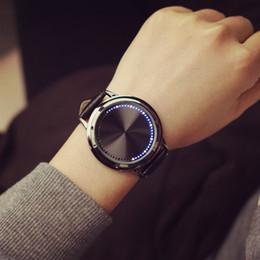 Personalidad creativa minimalista de cuero normal a prueba de agua reloj LED hombres y mujeres pareja reloj elegante electrónica relojes casuales