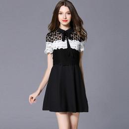 2016 Las mujeres nuevas del verano ponen en cortocircuito el vestido blanco medio delgado del cordón de la manga del collar del color del contraste del negro del negro de la muñeca desde vestidos de verano de la manga medio fabricantes