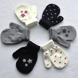 Wholesale Kids Dot Star Heart Pattern Mittens Boys Girls Soft Knitting Warm Gloves