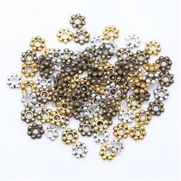 Wholesale Vintage Daisy Flower Spacer Beads Fashion Round Metal Wheel Charms For Jewelry DIY Making
