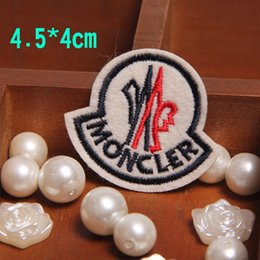 Wholesale 30pcs cm DK Logo letter iron On Patches Made of Cloth sew on patch Embroidered Badge Applique DIY accessory
