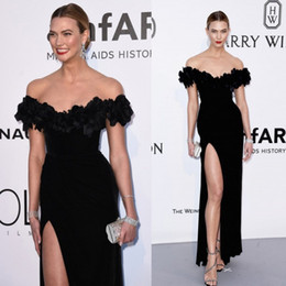 2019 Festival Split Prom Dresses Appliqued Evening Gowns Long Sheath Red Carpet Velvet Off Shoulder Celebrity Dress