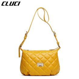 Wholesale CLUCI Women s Shoulder Bags High Quality Leather Hobos Paid Patern Vintage Yellow Single Strap Zipper Small Messenger Bag