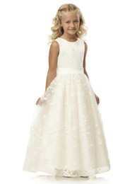 Elegant First Communion Dress Vintage A-line Scoop Neckline Long Noble Ivory Lace Appliques Flower Girl Dress 2-14 Year