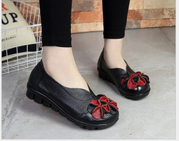 Women Genuine Leather Flat Shoes Loafers 2016 New Fashion Female Casual Shoes Soft Real Leather Handmade Flower Women Flats