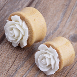 Wholesale bamboo hollow flesh tunnel with flower for wholesales body jewelry facotry sales piercing stretcher