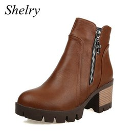 Descuento venta caliente de la motocicleta botas mujer botas 2016 nueva marca de las señoras del diseño del tobillo de cuero suave botas de moto de alta moda zapatos de tacón zapatos de la plataforma de venta caliente