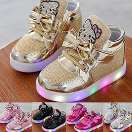 Wholesale New Boys Girls Sneakers LED Fluorescent Flash Shoes Luminous Shoes Children USB Charging Casual Shoes Board Shoes Running Shoe WX C07