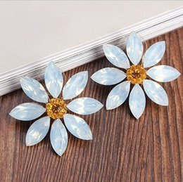 Fashion Sweet and Lovely Sunflower Crystal Stud for Women and Girls Korean Elegant Leaf Petal Stud Earrings Fine Jewelry
