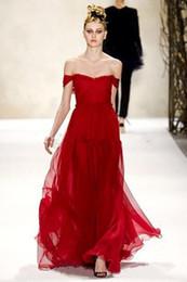 Descuento vestido de noche monique Vestido largo rojo escarlata de Monique Lhuillier Sexy fuera del hombro vestidos de noche gasa Prom vestidos piso longitud vestidos de fiesta