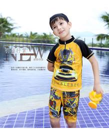 Wholesale baby boy rash guard bumblebee beachwear child swim uv protection swimwear kids swimming suit for boy kids swimming trunks