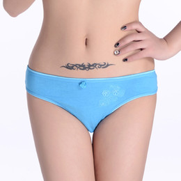 Hot Selling 5pcs lot New Women's 100% cotton panties Girl Briefs Ms. embroidered cotton bikini underwear women's panties models 86583