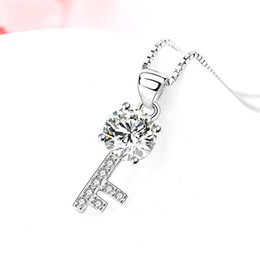 Wholesale Manufacturers selling the new silver inlaid diamond necklace Swiss women fashion accessories chain collar key pendant