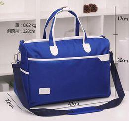 Wholesale Women fashion portable travel bags men large capacity waterproof luggage duffle pregnant hospital maternity baby mama bag
