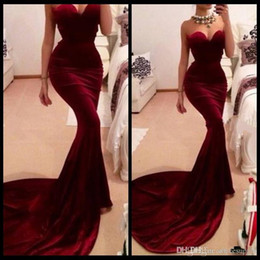 2018 Women Long Train Fitted Burgundy Wine Velvet Evening Dresses Vestidos Sexy Burgundy Mermaid Prom Dresses Party Gowns