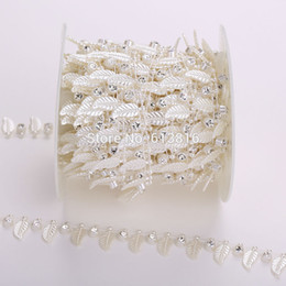 10Yards Artificial Pearl Rhinestones Roll Chain Wedding Party Scene Home Decor Leaves Shape Beads DIY Accessories